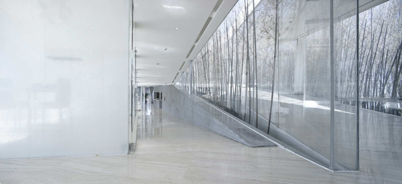Gallery of riverside clubhouse tao trace architecture for Interior glass wall designs for houses