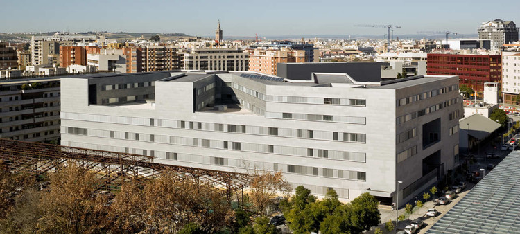 Sevilla University Education / Cruz y Ortiz Arquitectos