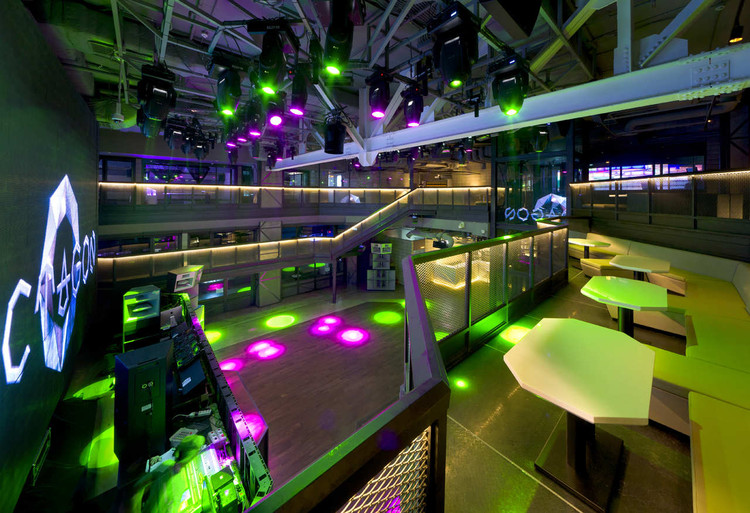 Club Octagon Urbantainer Archdaily
