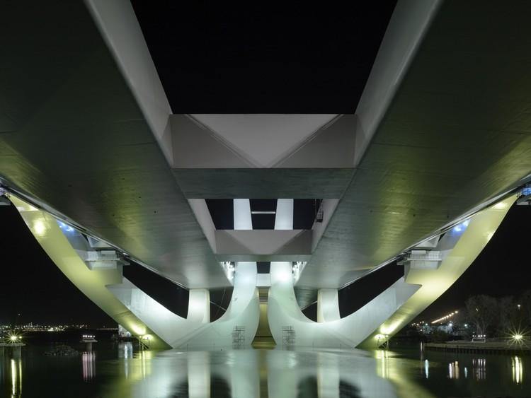 Sheikh Zayed Bridge / Zaha Hadid Architects, © Christian Richters