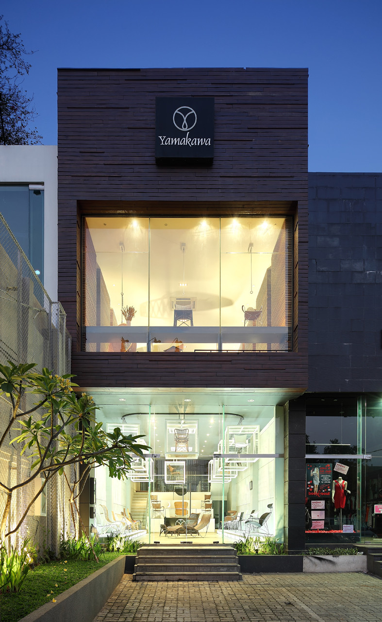 Building Front Glass Elevation : Yamakawa rattan showroom sidharta architect archdaily
