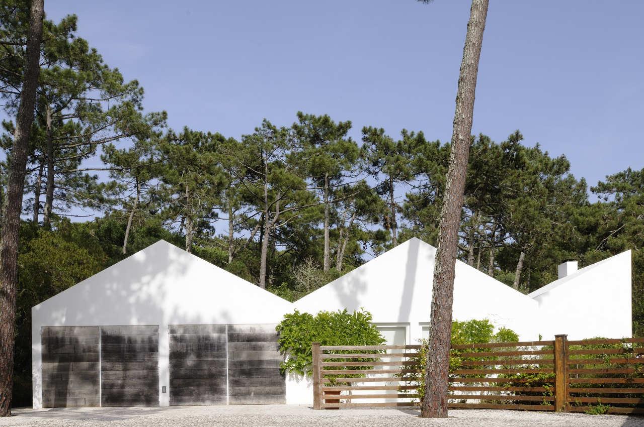House In Banzao / Frederico Valsassina Arquitecto, © João Carmo Simões
