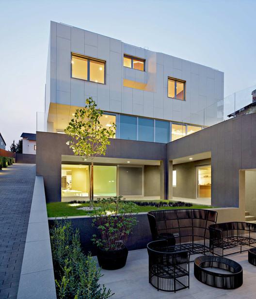 Tuskanac Residence / DVA Arhitekta, © Robert Les