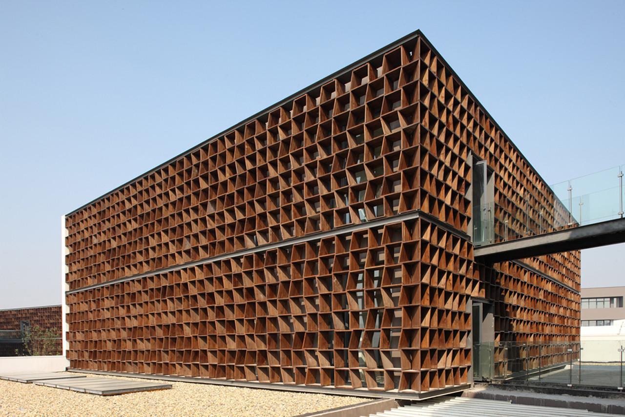 Plot 6 & Tea House in Jiangsu Software Park / Atelier Deshaus, © Shu He