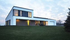Single Family House In Jozefow / ZAG Architekci