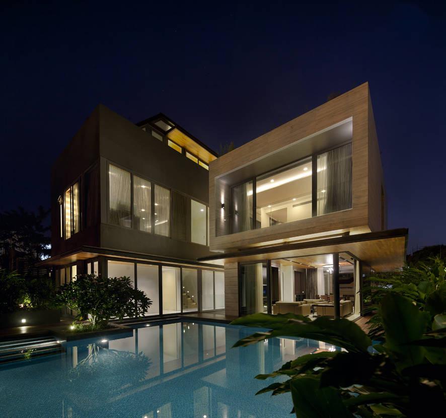 Delightful Travertine Dream House / Wallflower Architecture + Design