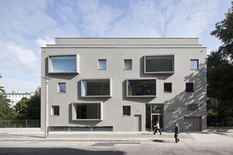 Contemporary Building in Berlin / BCO Architekten | ArchDaily