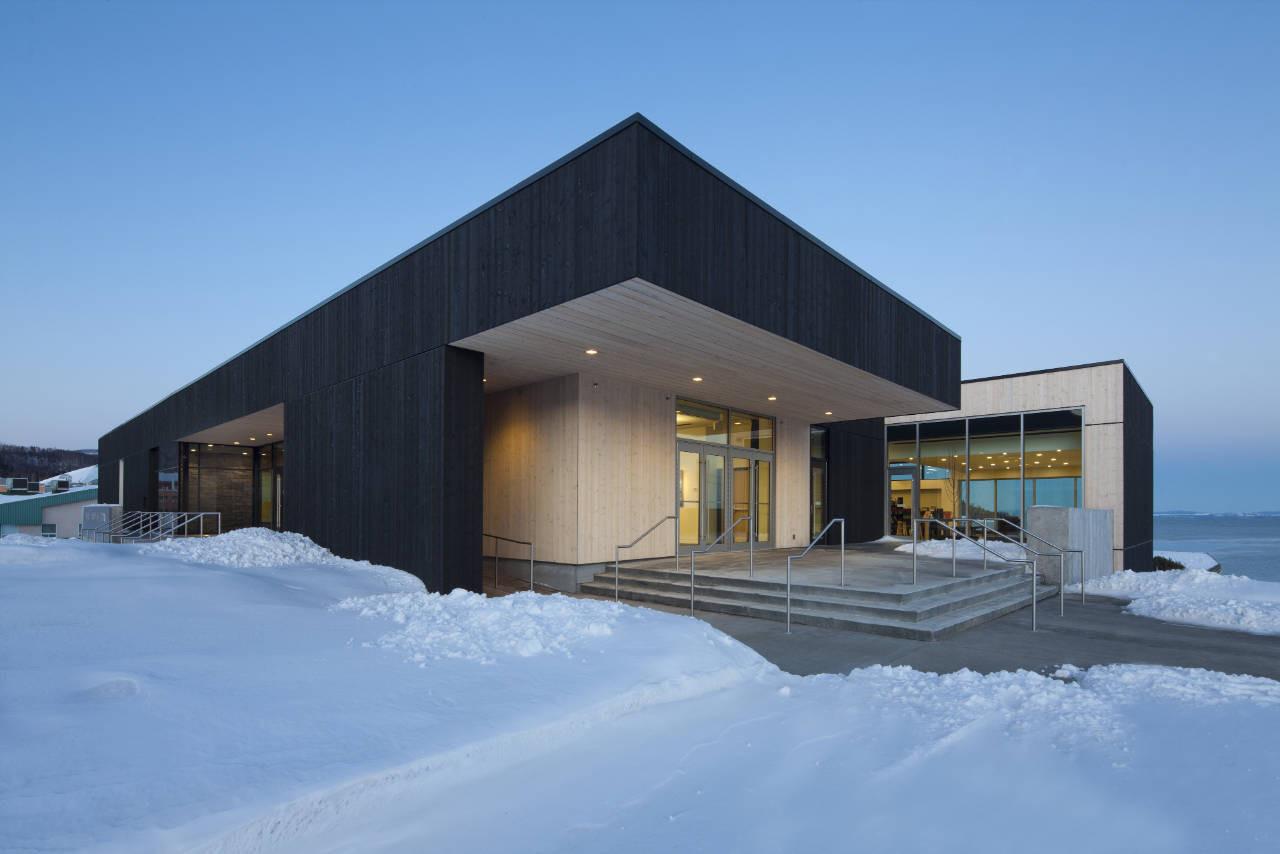 Conan Library and City Hall of Ville de La Malbaie / acdf* + Bisson + Desganés Architectes in Consortium, © Stéphane Groleau