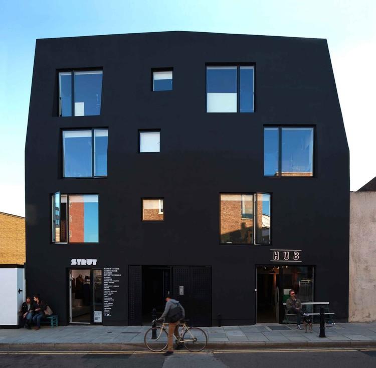 Ada Street / Amin Taha Architects, © Charles Hosea