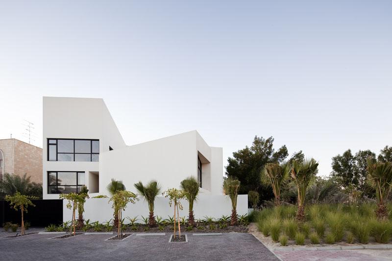 MOP House / AGI Architects, © Nelson Garrido