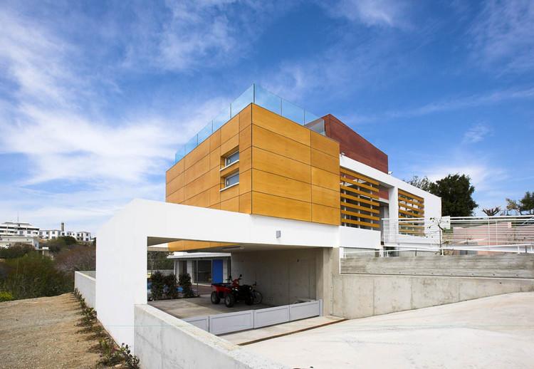 Petros & Andri Residence / VARDAstudio, © Christos Papantoniou