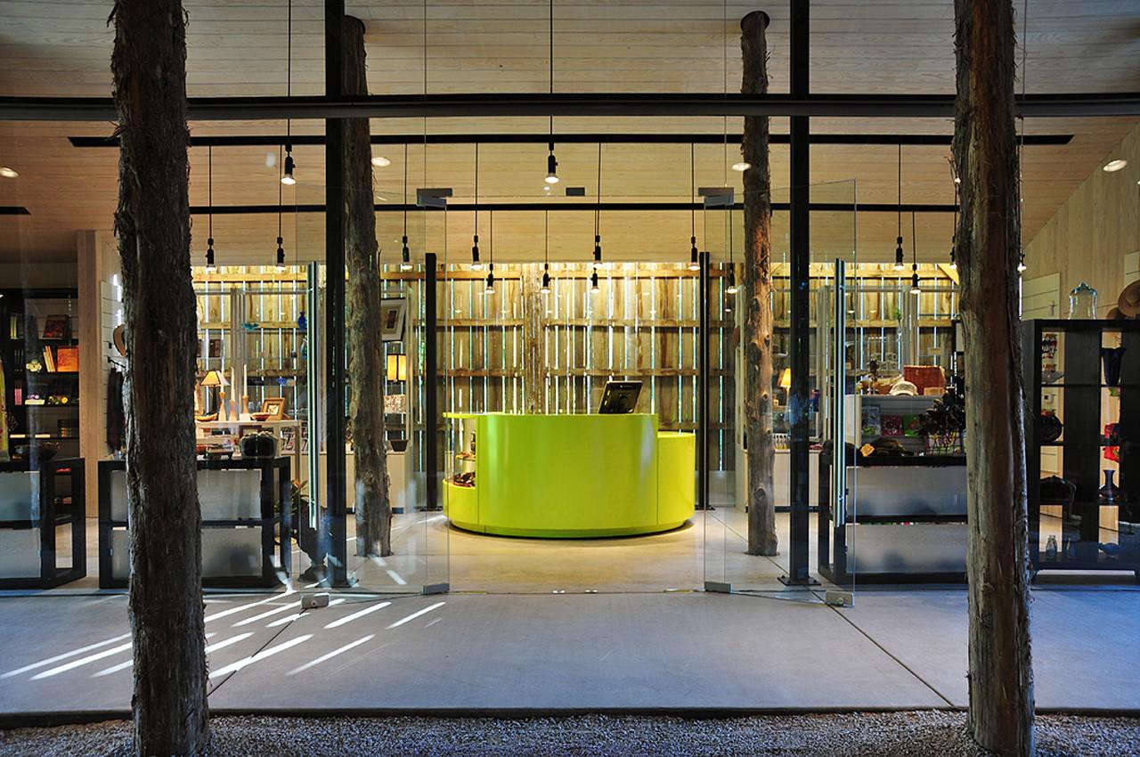 Yew Dell Gardens Visitor Center / De Leon & Primmer Architecture Workshop, Courtesy of Roberto de Leon
