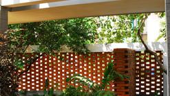 Semi-finished House In Surabaya / noMADen studio
