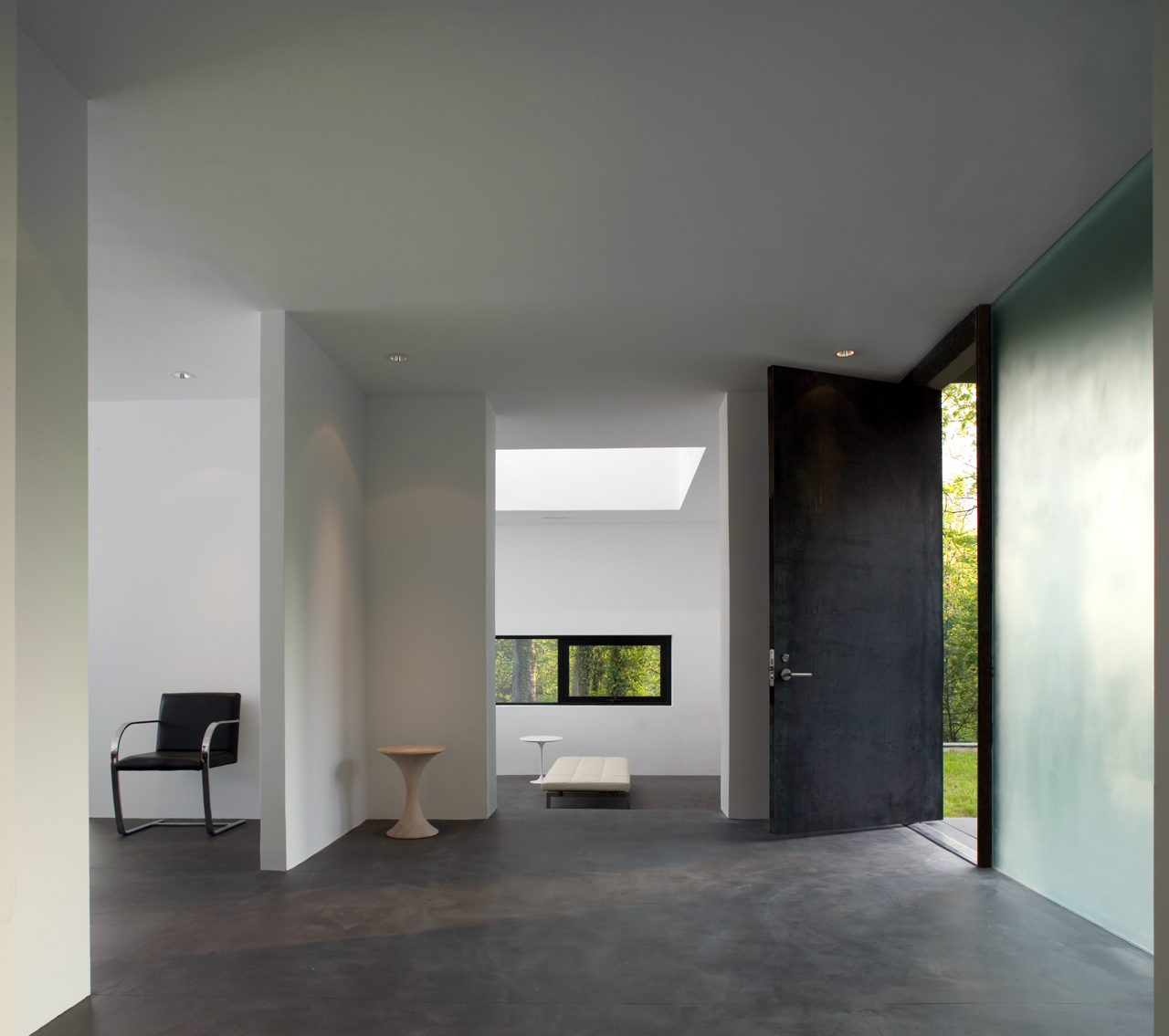Gallery of Black White Residence / David Jameson Architect - 8