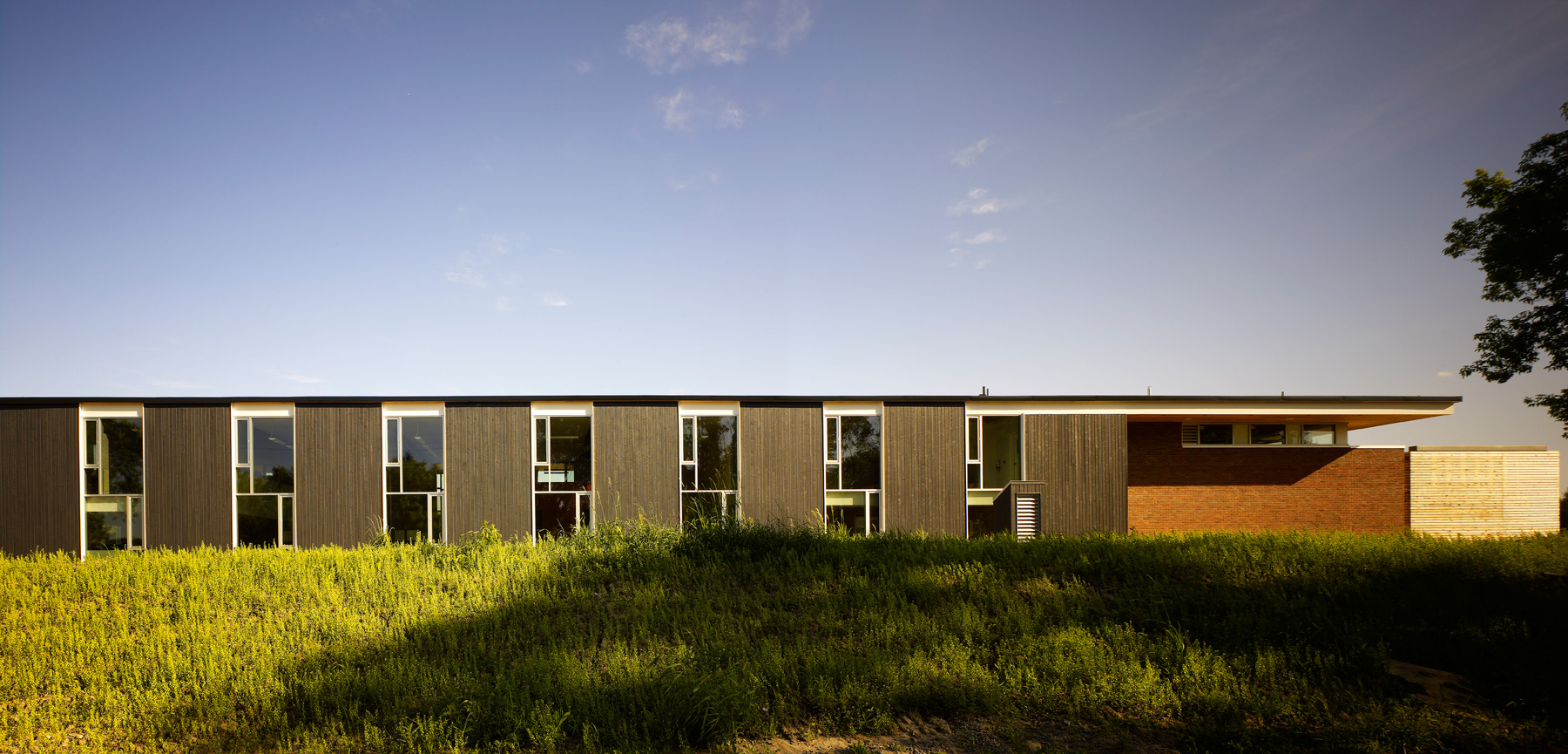 Restoration Services Centre / Montgomery Sisam Architects, © Tom Arban