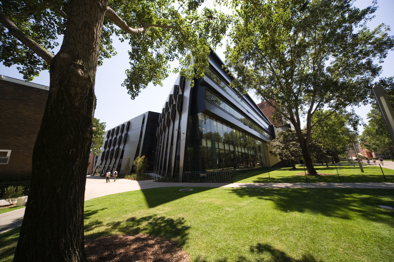 University of New South Wales Law Building / Lyons, © John Gollings Photography