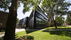 University of New South Wales Law Building / Lyons