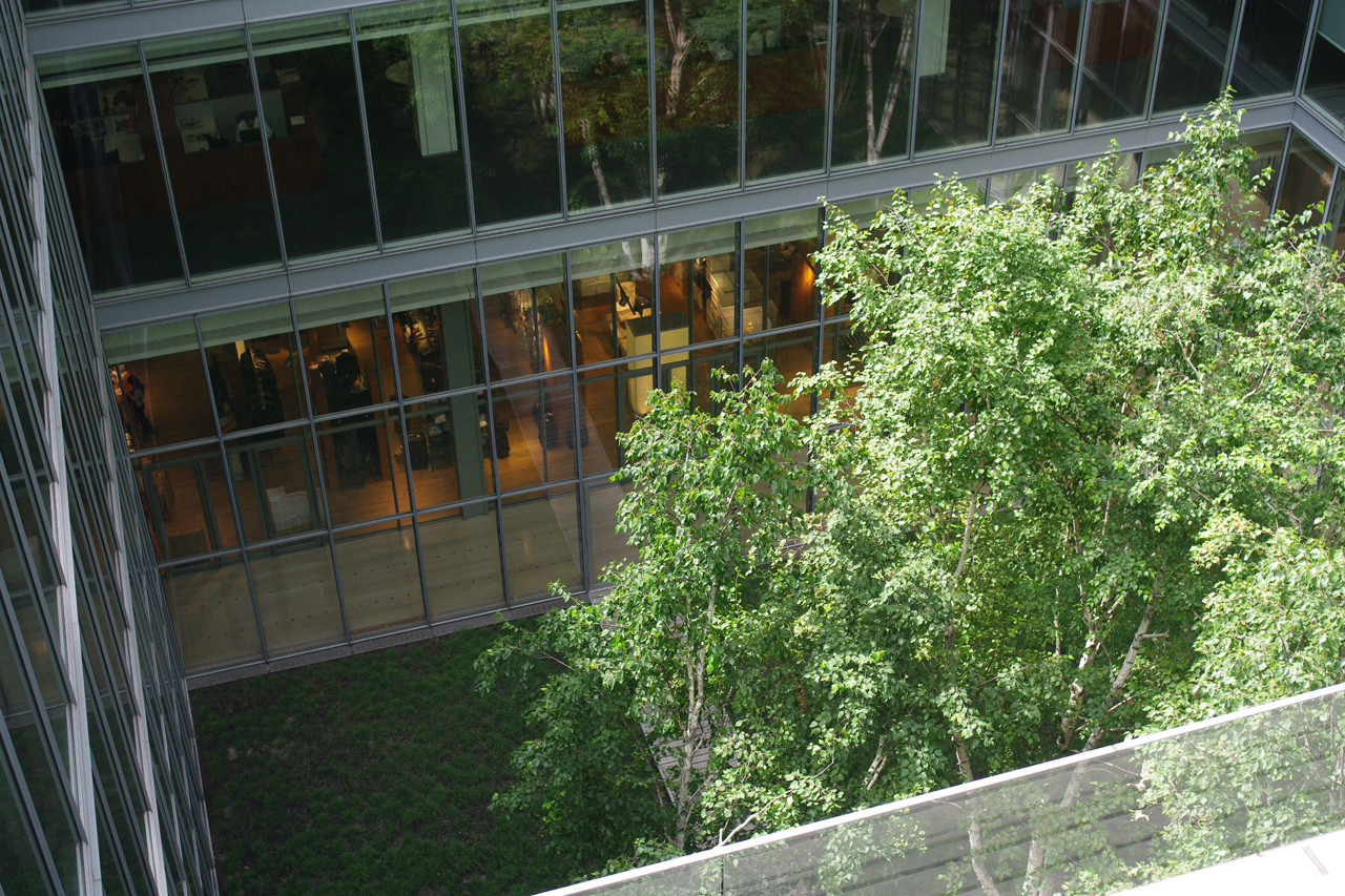 The New York Times Building Lobby Garden / HM White Site Architects +  Cornelia Oberlander Architects