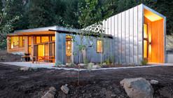 Miner's Refuge / Johnston Architects