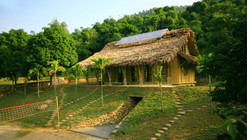Suoi Re Village Community House / 1+1>2