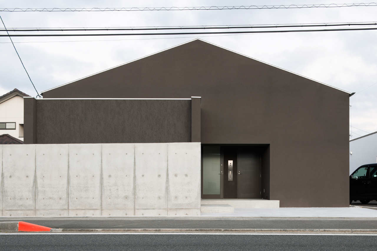 Gable House / FORM | Kouichi Kimura, © Takumi Ota