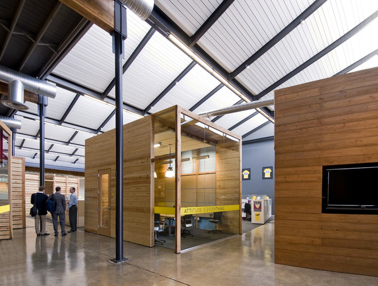 Lance Armstrong Foundation Headquarters / Lake|Flato Architects + The Bommarito Group, © Hester + Hardaway