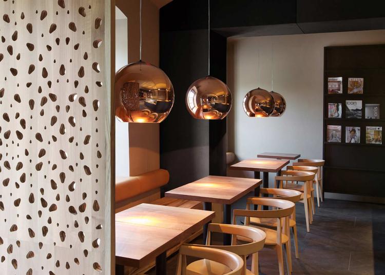 Cafeteria Rog / AKSL arhitekti, © Matevž Paternoster