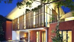 House In Nursery / Wahana Architects