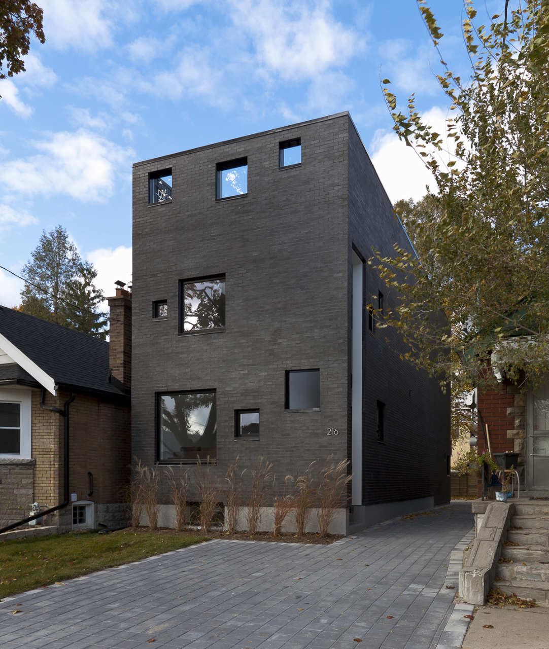 Charcoal House Rzlbd Archdaily