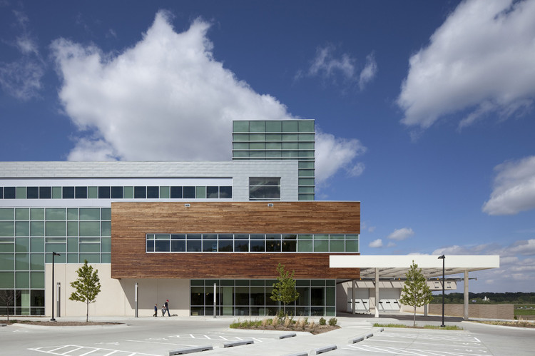 Bellevue Medical Center / HDR Architecture