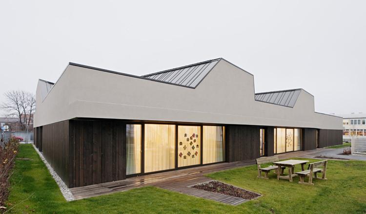 Kindergarten In Ternitz / AllesWirdGut Architektur