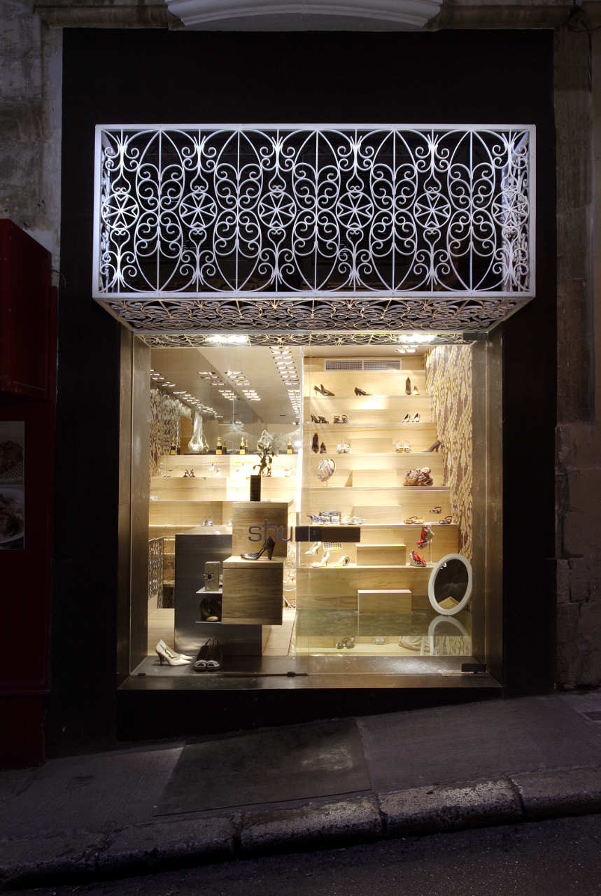Shoe Shop In Valletta / Chris Briffa Architects