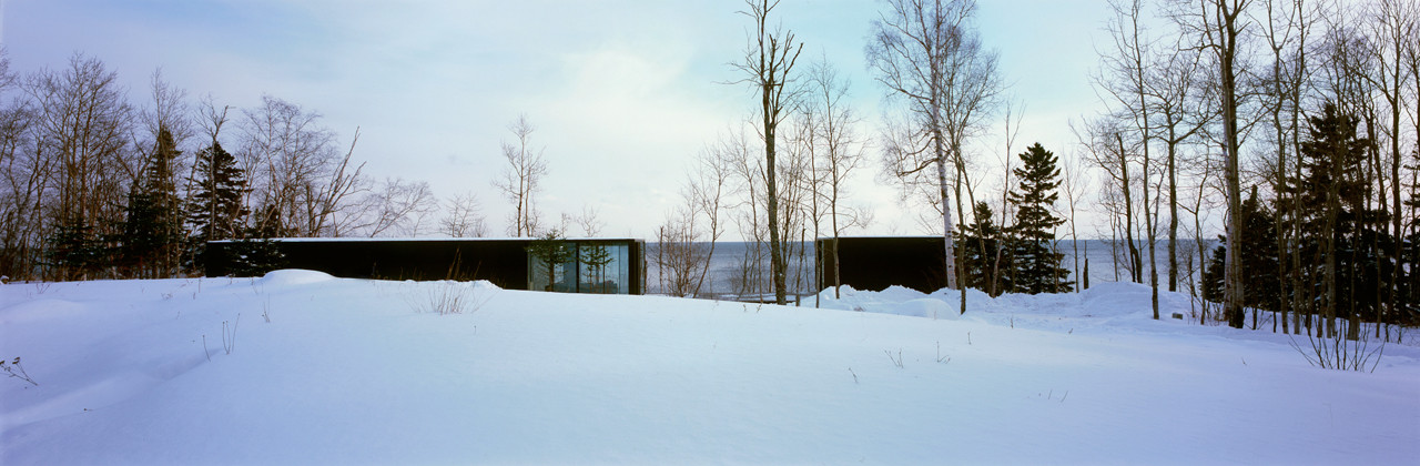 Weekend House on Lake Superior / Julie Snow Architects, © Peter Kerze