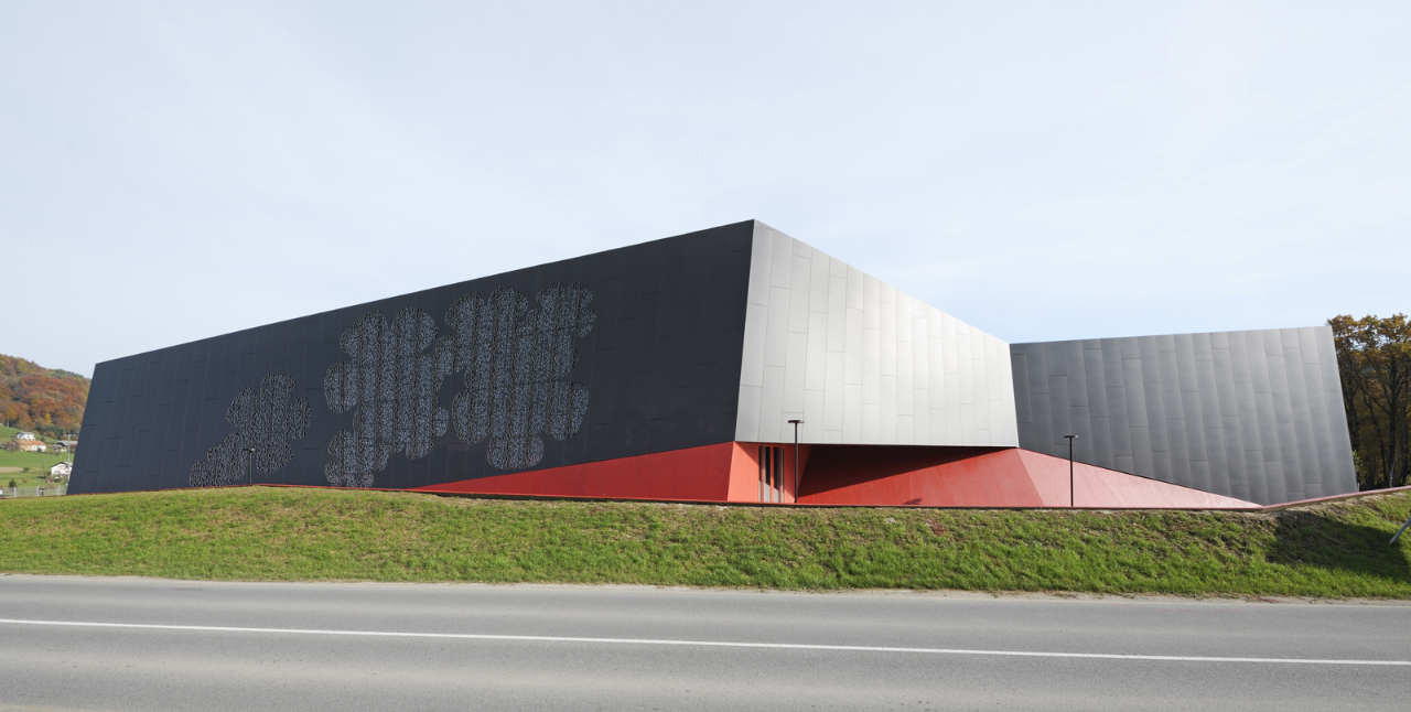 Podčetrtek Sports Hall / Enota, © Miran Kambič