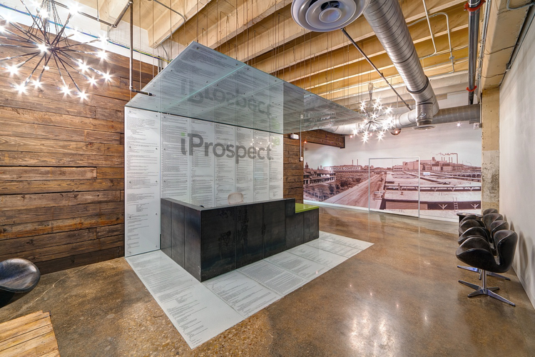 iProspect / VLK Architects, © Chad M. Davis, AIA