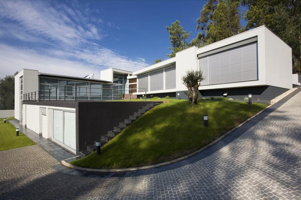 Aveleda's House / Manuel Ribeiro, © Ivo Tavares