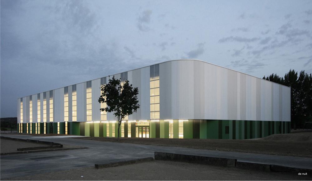 Bowling Pitch / Chartier/Dalix Architects, © Mathieu Janand