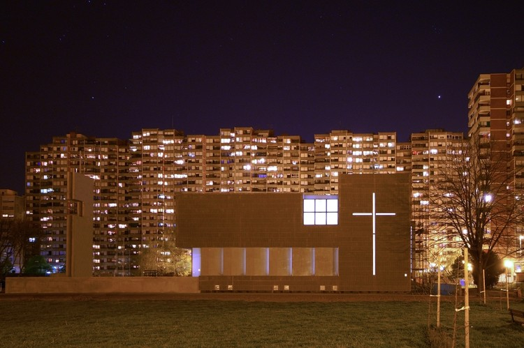 Parish Church of St Luke the Evangelist / Roman Vukoja & Robert Kriznjak, © Ivica Bralic