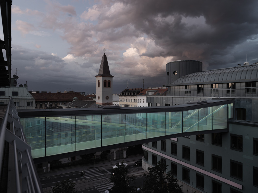 Bridge in vienna solid architecture archdaily for Architecture vienne
