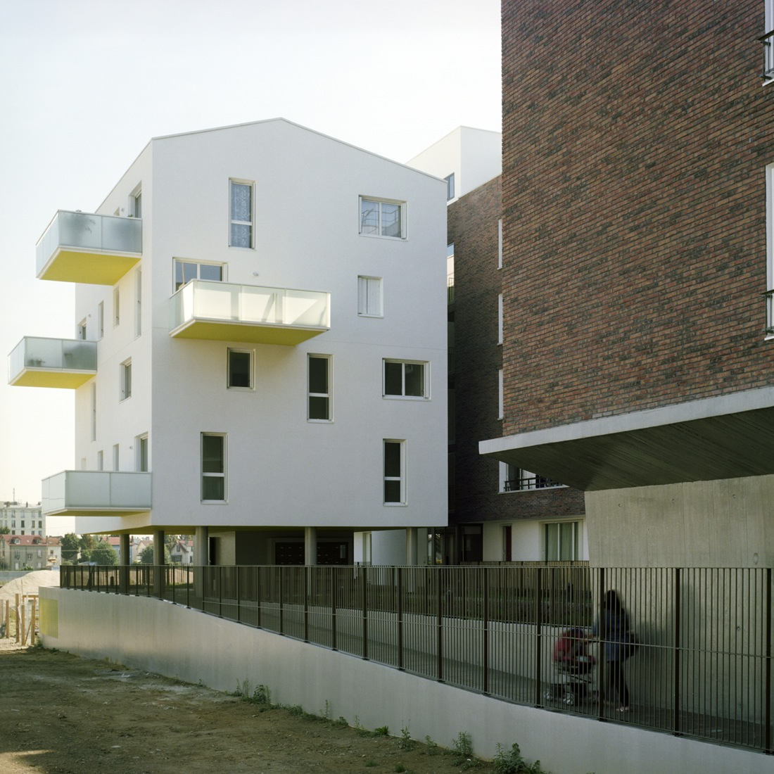 Choisy le Roi Housing / Olivier Sinet + Benjamin Fleury , © Emmanuelle Blanc