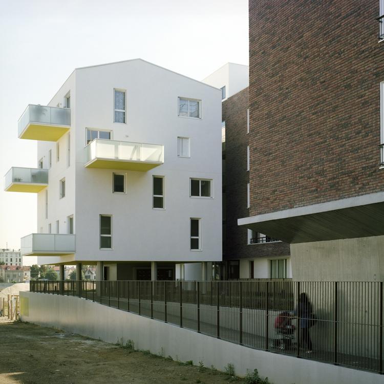 Choisy le Roi Housing / Olivier Sinet + Benjamin Fleury, © Emmanuelle Blanc