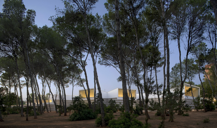 Conference center in ibiza up arquitectos archdaily - Arquitectos ibiza ...