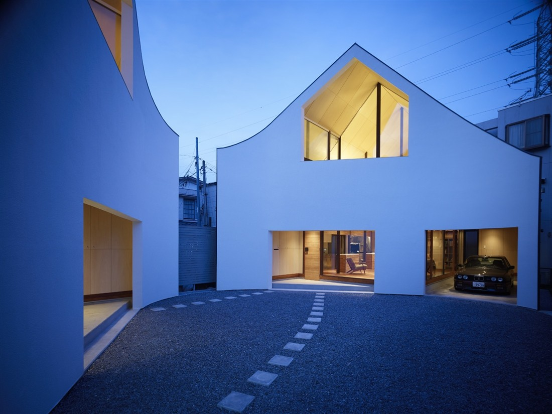 A House Made of Two / naf architect & design