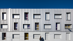 Student Housing in Bordeaux / Lanoire & Courrian