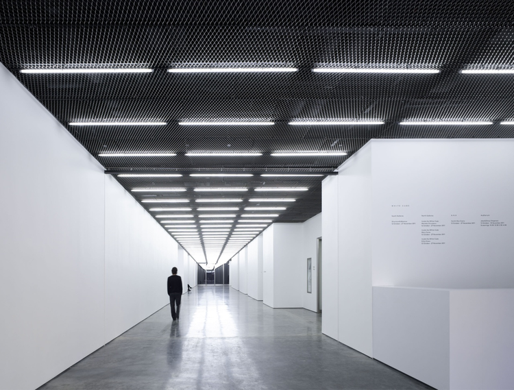 White Cube Bermondsey / Casper Mueller Kneer Architects, © Paul Riddle