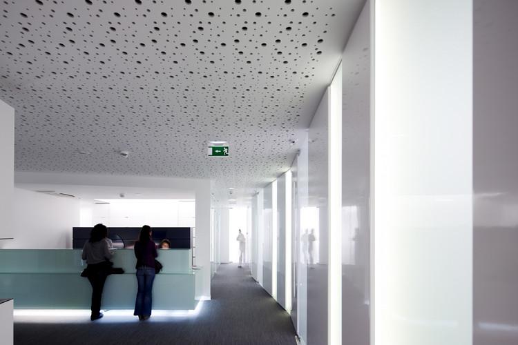 Clinica Jardim / espaço a3, © Fernando Guerra |  FG+SG