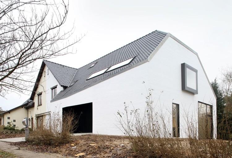 Satiya House / adn Architectures, © Filip Dujardin