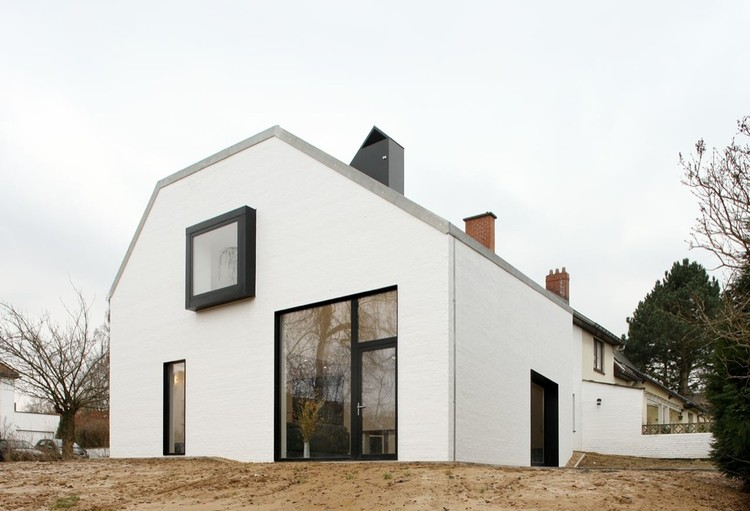 Satiya House Adn Architectures Archdaily - Satiya-house-refurbished-to-accommodate-a-larger-family
