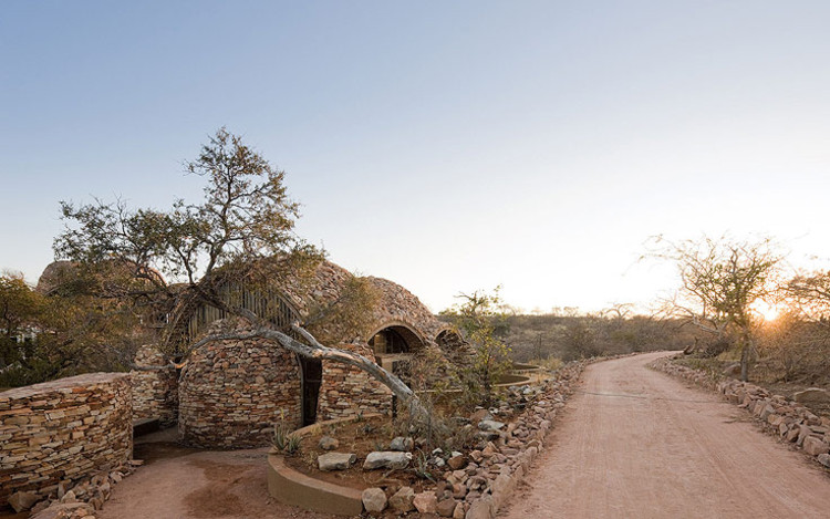 Centro de Interpretación Mapungubwe / Peter Rich Architects, © Iwan Baan