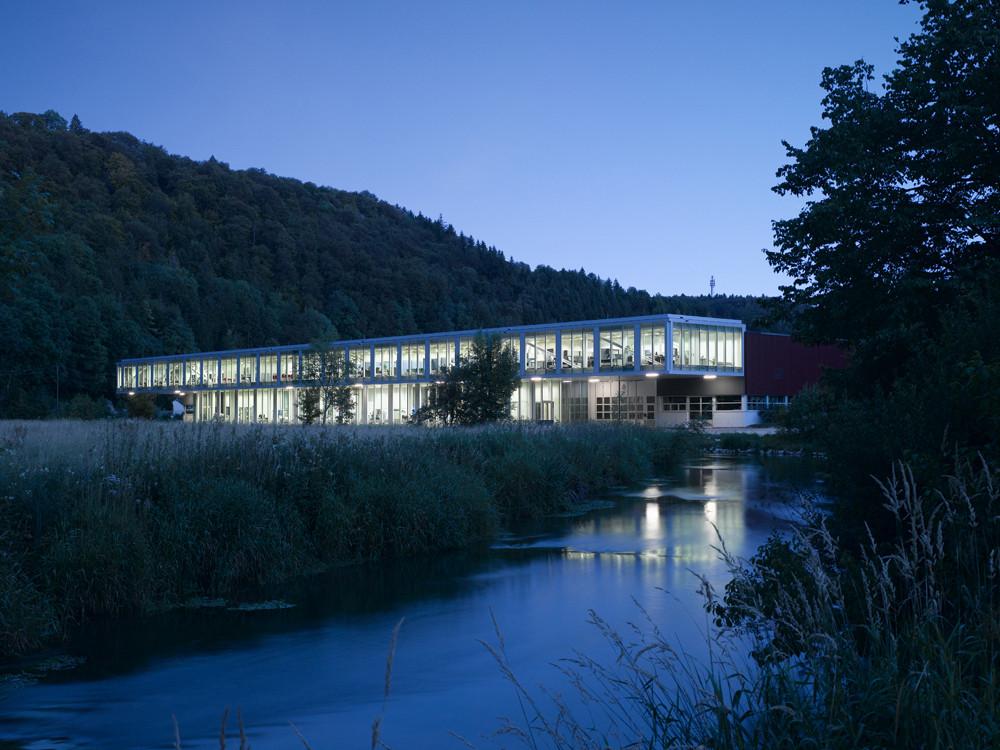 Office Building with Training Workshop / Barkow Leibinger Architekten, © Zooey Braun
